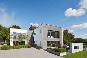 Bauhaus Türen Außen : einfach fertighaus modern flachdach bauhaus bungalow design aussen haus dekoration ideen mit ~ Markanthonyermac.com Haus und Dekorationen