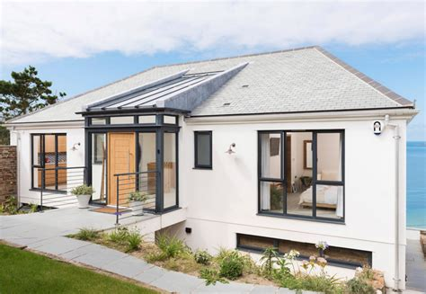 A Dreamy Contemporary Outdated Bungalow Renovation Flat