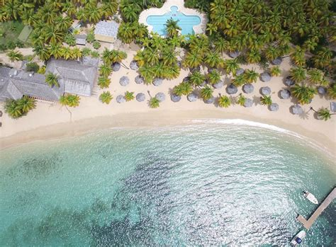 Curtain Bluff Antigua Renovation by Antigua S Curtain Bluff Reopening After Major Transformation