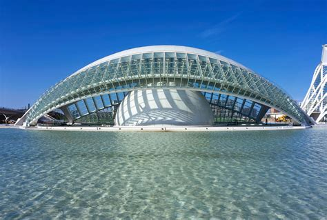 L'Hemisfèric: An Eye-Catching Architectural Masterpiece In