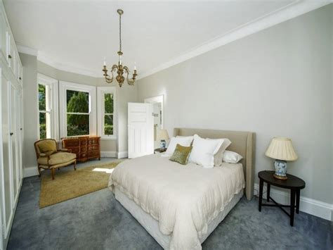 Ideas For Bedroom With Blue Carpet by Classic Bedroom Design Idea With Carpet Built In
