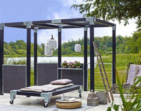 Moderner Sichtschutz Für Garten by Garten Im Quadrat Sichtschutz Aus Wpc Zum Bau Einer
