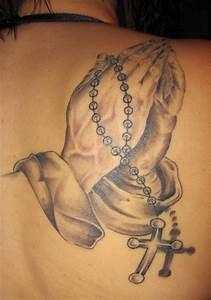 Kreuz Tattoo Oberarm : suchergebnisse f r 39 betende h nde 39 tattoos tattoo lass deine tattoos bewerten ~ Frokenaadalensverden.com Haus und Dekorationen