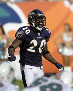 Ed Reed Photos Photos - AFC Wild Card Game: Baltimore ...