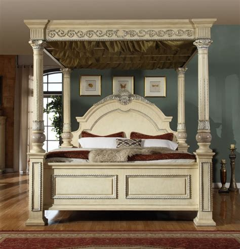 sienna canopy bedroom set  antique white finish