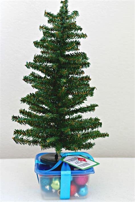 christmas gift kit ideas organize  decorate