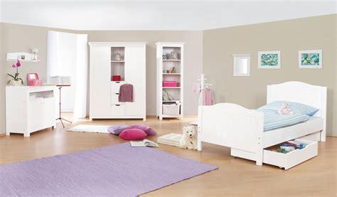 chambres d enfants chambre d 39 enfant avec commode simple en massif