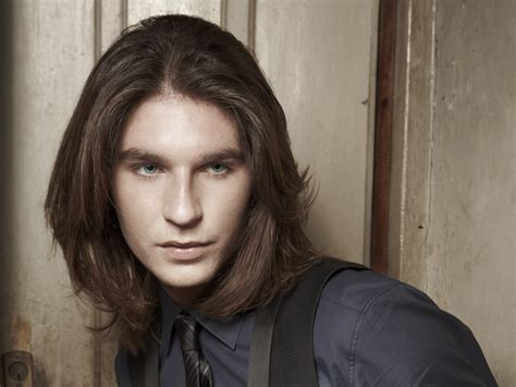 shoulder long hair  tapered layers  young men