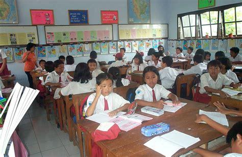 penataan ruang kelas  indah penataan ruang kelas