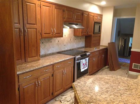 refacing oak kitchen cabinets refacing dated oak to cherry capital kitchen 4645
