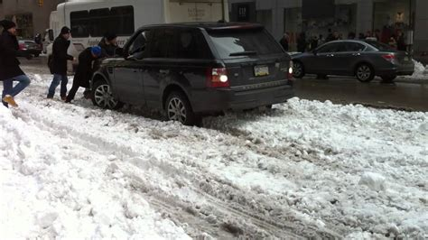 range rover stuck    snow youtube