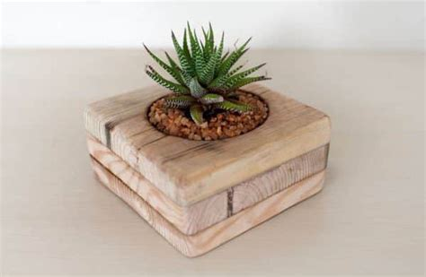 small flower pots   upcycled pallets recyclart