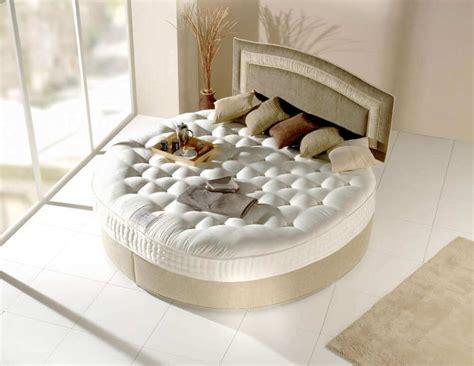chambre lit rond le lit rond pour meubler la chambre à coucher d une