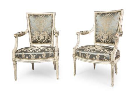 fauteuil ancien louis xvi paire de fauteuils d 233 poque louis xvi estill 233 s de matthieu bauve xviiie si 232 cle n 59887