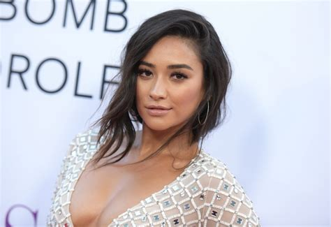 Canadian Actress Shay Mitchell Wiki, Bio, Age, Height ...