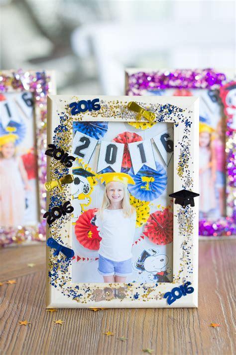 diy glittered graduation frames for the kiddos 874   e410d17c3ed00c19562eb04335a1468e