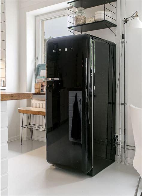 cuisine avec frigo smeg 1000 idées sur le thème frigo design sur frigo