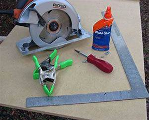 A Simple Diy Circular Saw Guide For Crosscutting