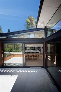 House, In, Stone, Glass, And, Steel, Overlooking, The, Yarra, River