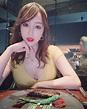 最美空姐林佩瑤「倒奶」吃烤肉 掉出「兇猛」美景太養眼!   娛樂星聞   三立新聞網 SETN.COM
