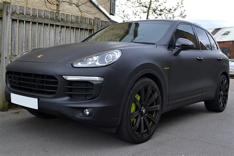 cayenne porsche black porsche cayenne hybrid wrapped in matte black reforma uk