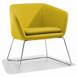 Petit fauteuil design jaune mamy sur cdc design for Petit fauteuil jaune