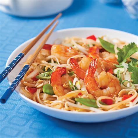 cuisine crevette pad thaï aux crevettes et arachides recettes cuisine et nutrition pratico pratique