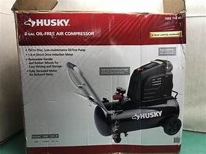 Handyman Husky 8 Gallon 150 Psi Hotdog Oil Free Air