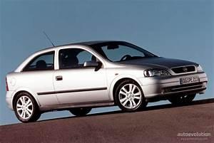 Opel Astra 1999 : opel astra 3 doors specs photos 1998 1999 2000 2001 2002 2003 2004 autoevolution ~ Medecine-chirurgie-esthetiques.com Avis de Voitures