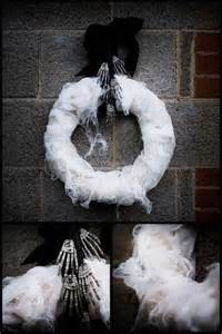 DIY Halloween Wreath Idea