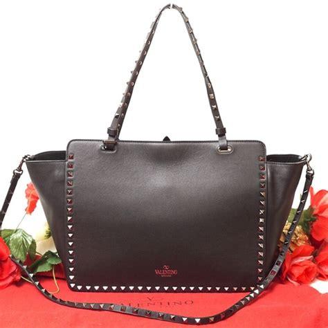banana republic top preloved 41 valentino handbags auth valentino garavani rock