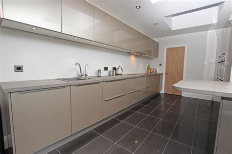 pictures of green kitchens chagne kitchen modern kitchen by lwk 4203