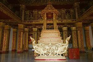 Wonderful Places in Asia: Haw Kham Royal Palace Museum ...