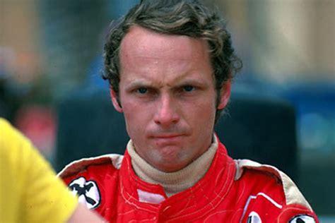 1976 trat der österreicher gerade mal 42 tage nach seinem feuerunfall auf dem nürburgring in monza an und kam auf den vierten platz. Niki Lauda Unfall 1976 / AUSringers.com » Niki Lauda's ...