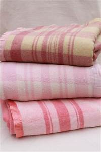 40s 50s Vintage Fold Over Camp Blankets Double Length