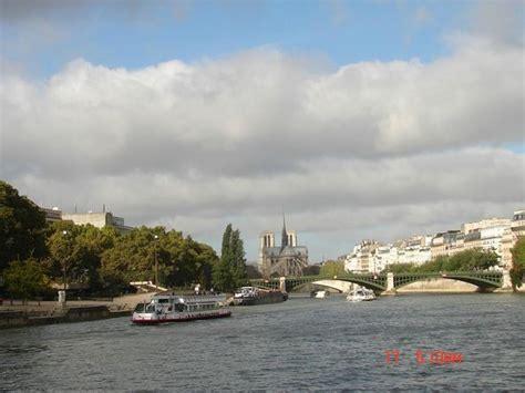 Bateau Mouche Pont Alma by Pont De L Alma Foto Di Bateaux Mouches Parigi Tripadvisor