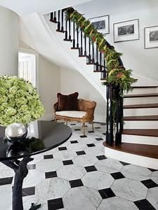 decorer une entree avec escalier 1 d233co de no235l des With decorer une entree avec escalier