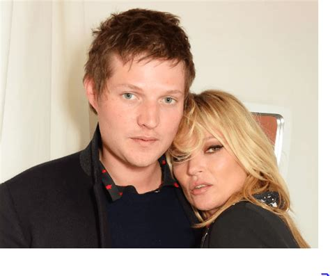 foto de Confirman el divorcio de Kate Moss