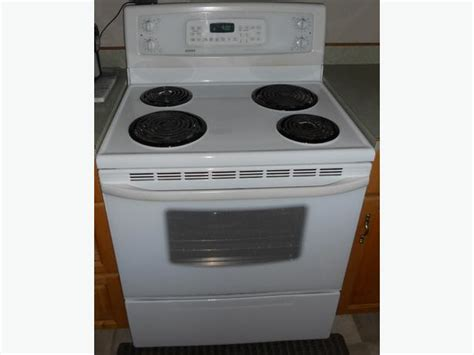 Kenmore Self-clean Convection Oven Outside Victoria, Victoria