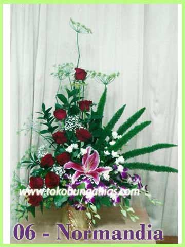 rangkaian bunga meja segar  toko bunga  jakarta