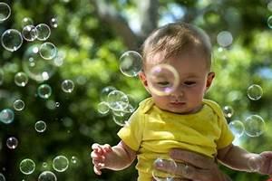 Spielzeug Für 8 Monate Altes Baby : besch ftigungsideen f r dein 3 6 monate altes baby hilfreich baby 6 monate altes baby und ~ Yasmunasinghe.com Haus und Dekorationen