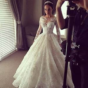 Vintage lace long sleeve wedding dress luxury ball gown for Long sleeve ball gown wedding dress