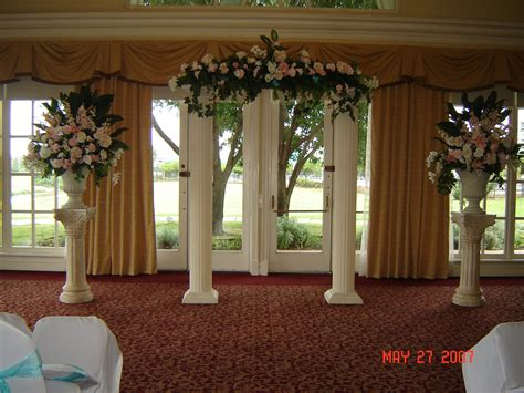 Pictures Of Wedding Columns Decorated Columns