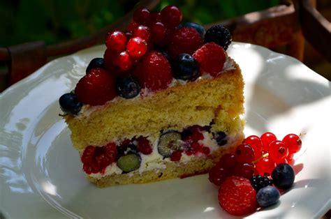 lettre pour cuisine gâteau aux fruits rouges la p 39 tite cuisine de pauline
