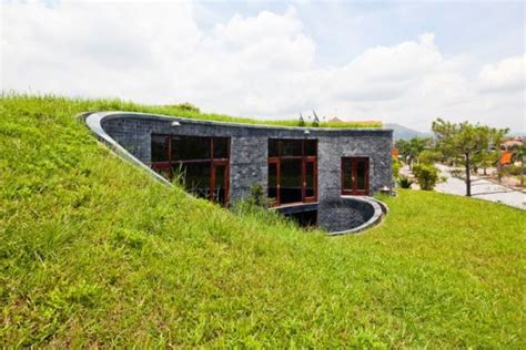Haus Mit Grasdach 20 spectacular houses featuring green roofs
