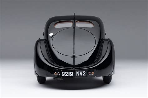 The car was chrome, leather and all curves, which is wha. Bugatti 57sc Atlantic 1938 La Voiture Noir - 1:8 Scale Model Car - Billionaire Toys