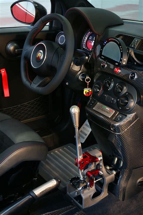 Fiat Gear by Der Neue Abarth 695 Biposto Der Kleinste In Der Liga Der