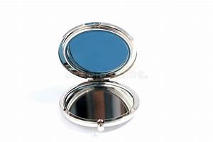 Petit Miroir Rond : petit miroir en verre rond photo stock image du beaut 39103186 ~ Teatrodelosmanantiales.com Idées de Décoration