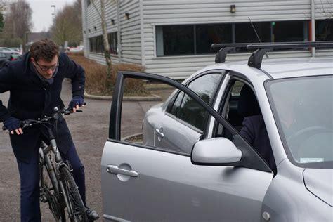 opening  car door   dutch  save  lives