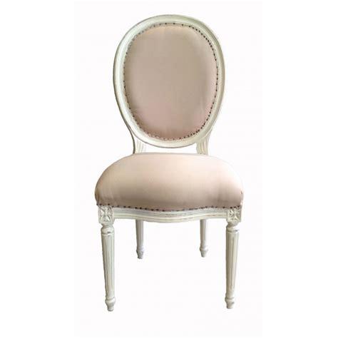 nettoyer des chaises en tissu chaise de style louis xvi tissu couleur beige et bois beige patiné